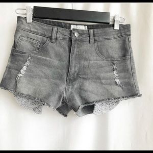 🌷3 FOR $25 SALE🌷 Harlow distressed denim shorts
